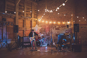 Wedding-Band-Performing-At-Pimhill-Barn-Harmers-Hill