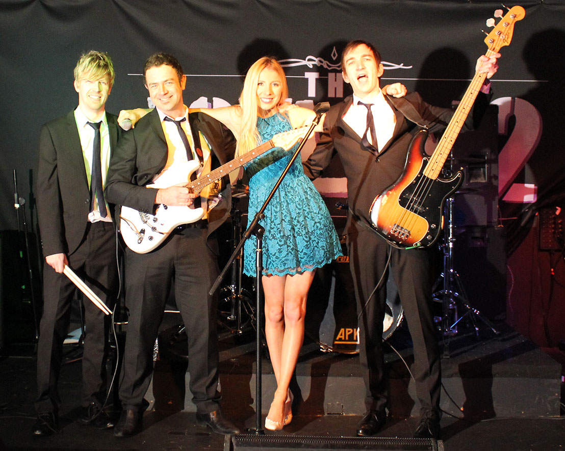 Female and Male Vocals Party Band