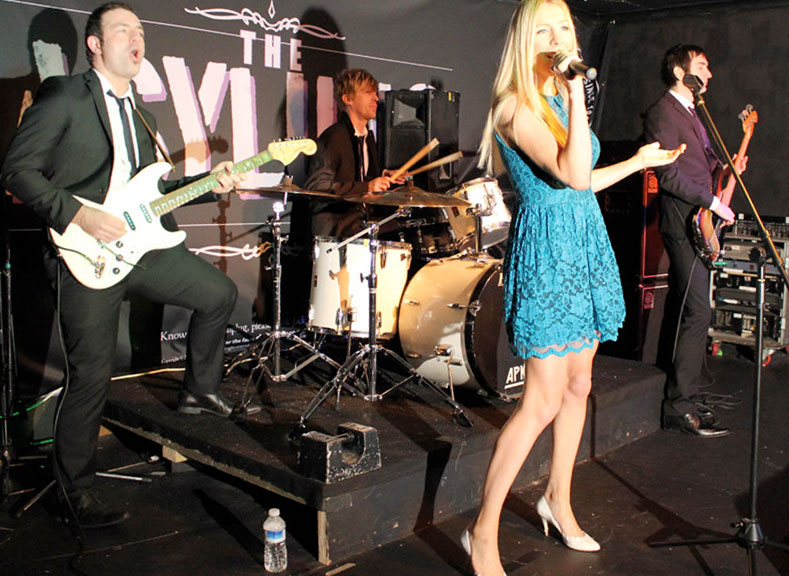 Male and Female Vocals Party Band