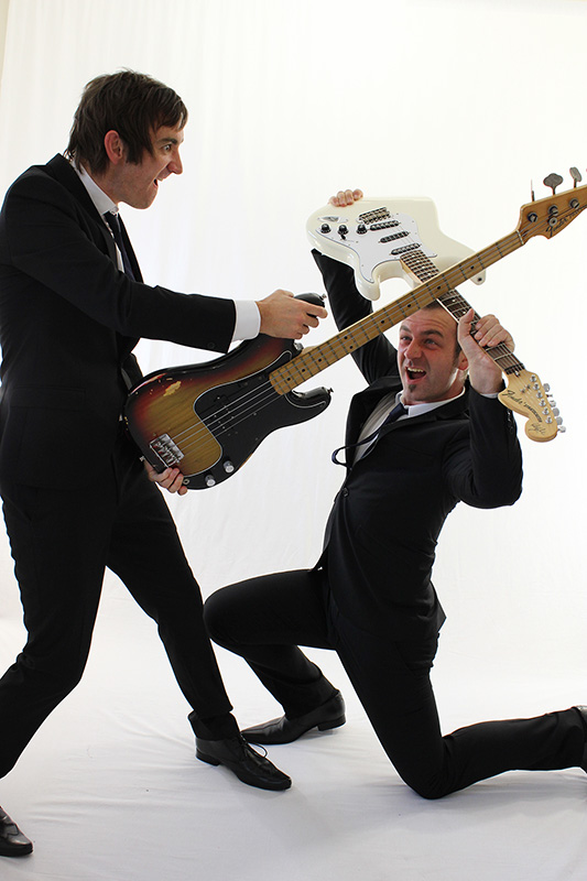 punch-the-air-party-wedding-band