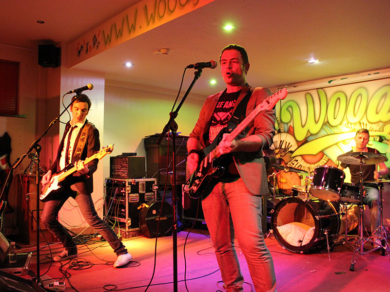 punch-the-air-guitar-based-live-band-for-weddings-7