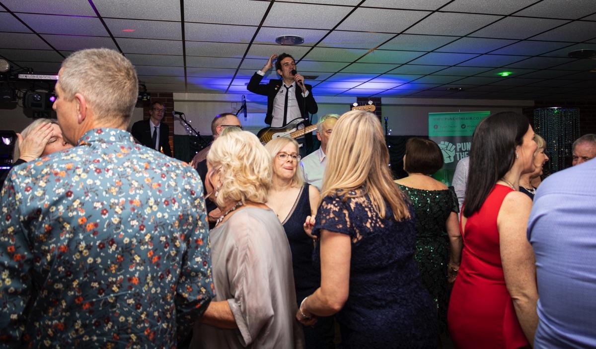 Oakridge Golf Club Nuneaton Wedding Band